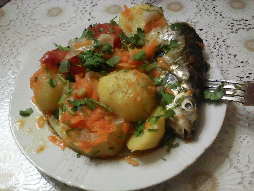 Շոգեխաշած ձուկ կարտոֆիլով